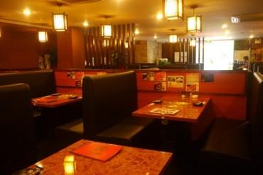 テーブル席3