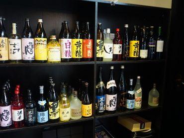 (日本語) 九州のお酒も豊富です。
