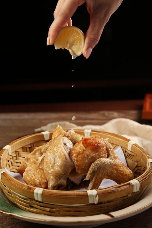半身鶏の唐揚げ